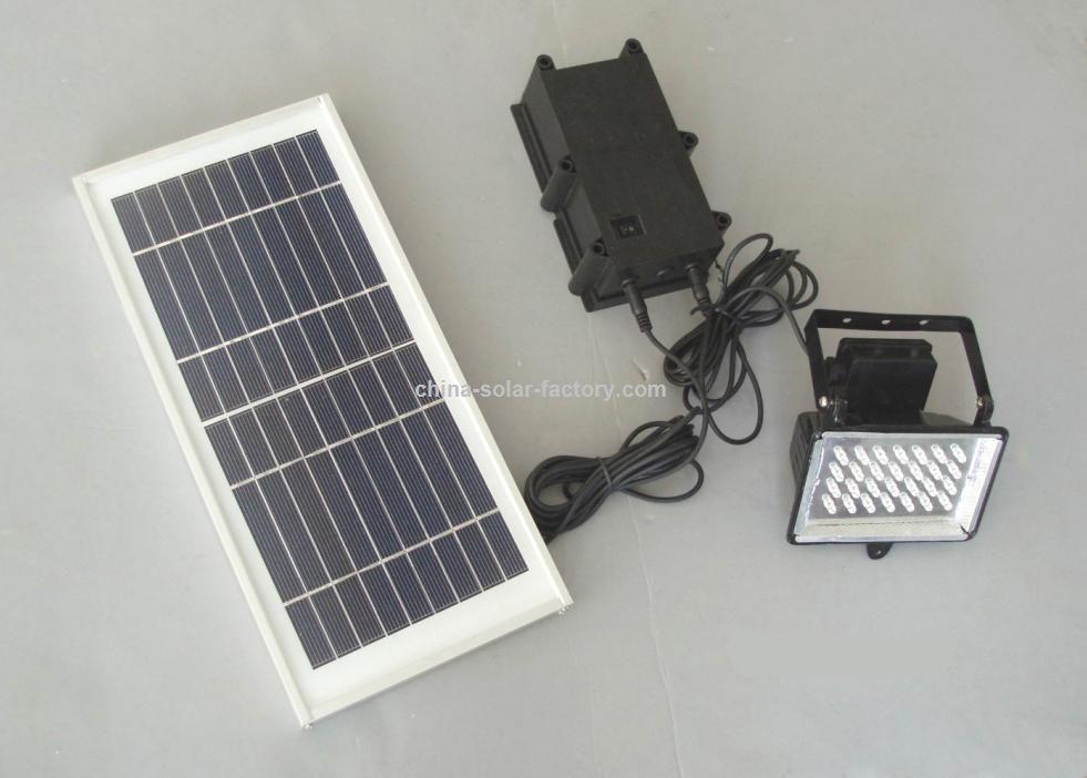 Kit illuminazione con pannello solare: lampada solare a led